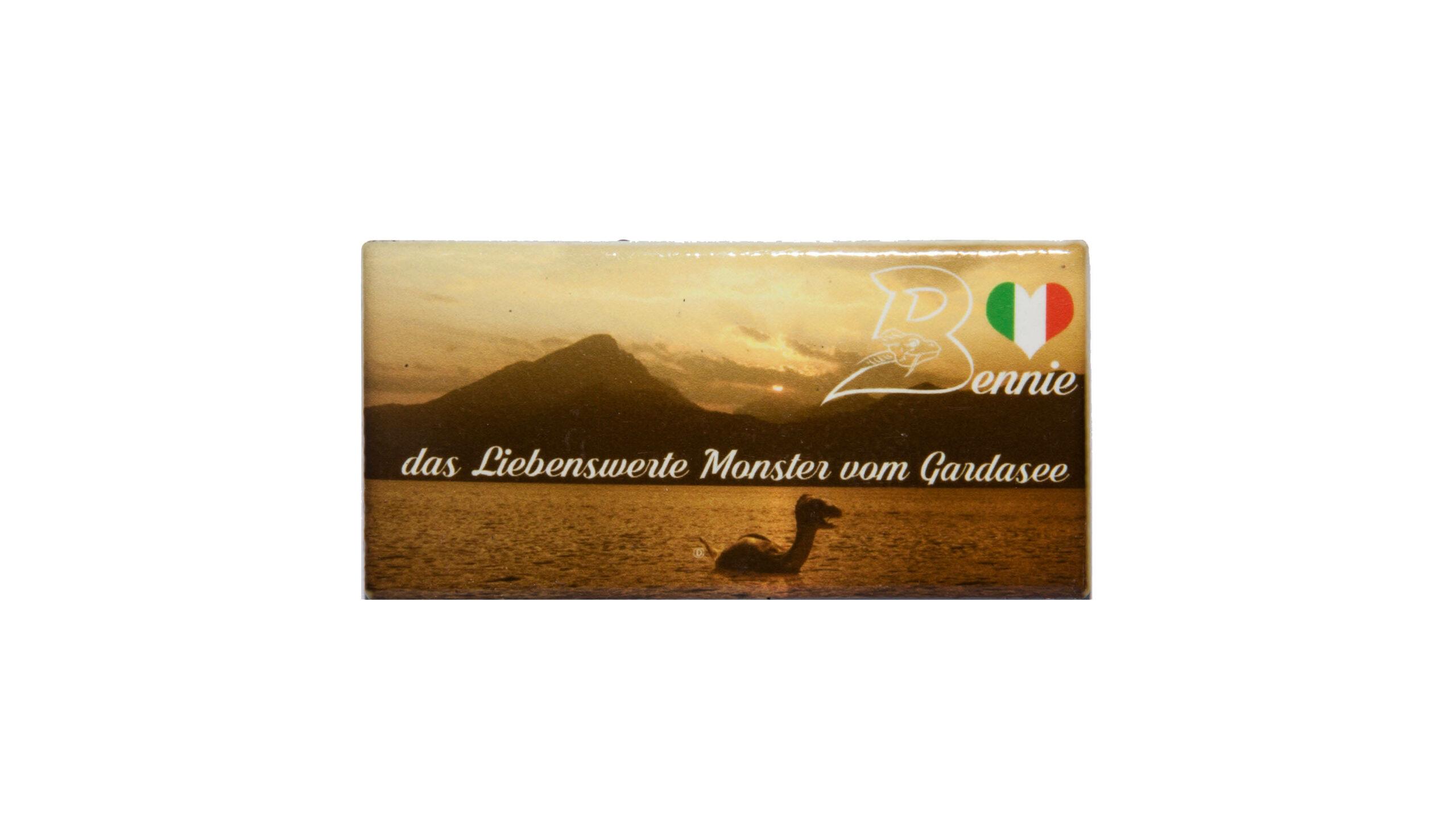 Deutch magnet mit sonnenuntergang und Bennie aus Gardasee. Bthemonster.com