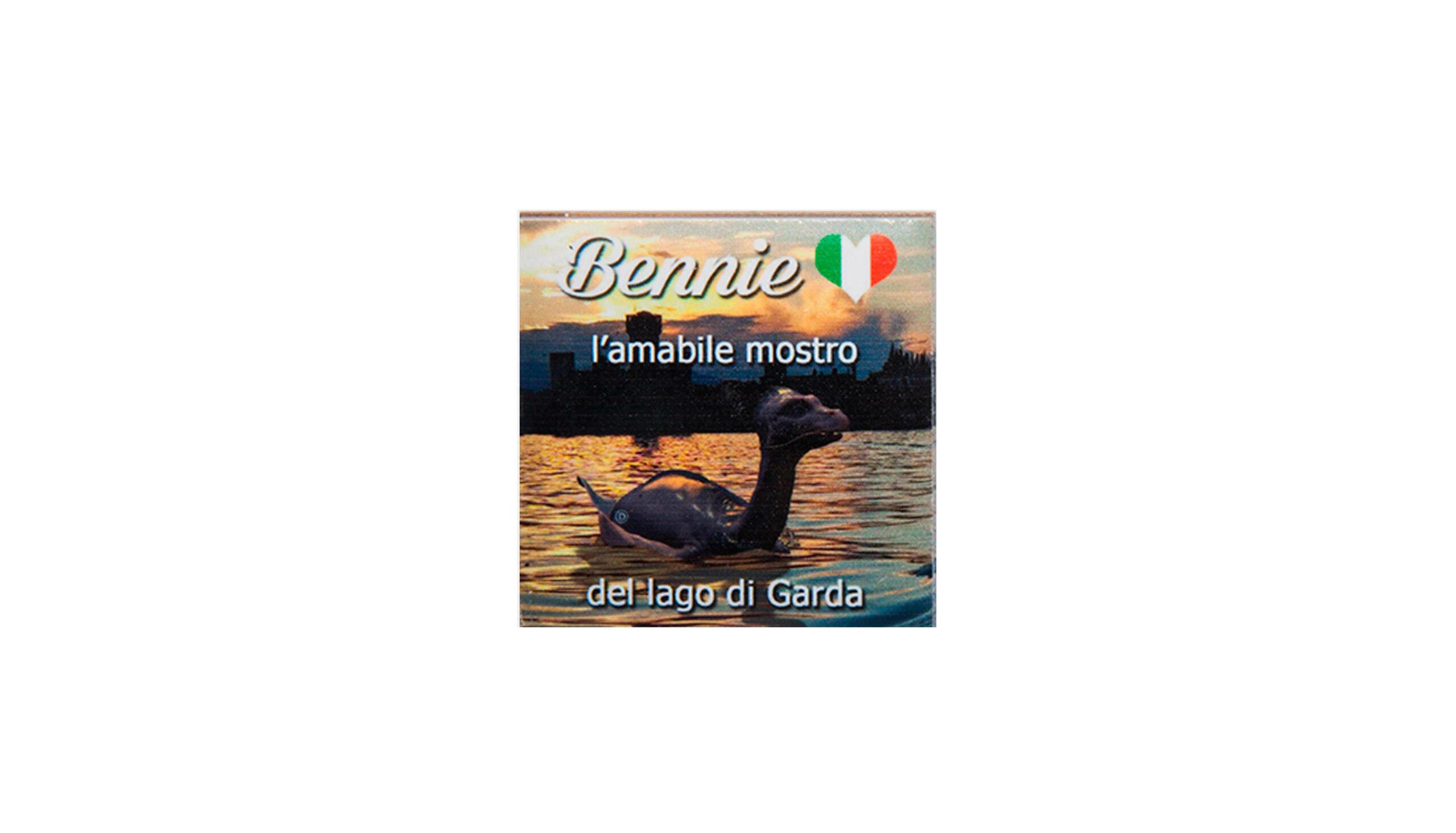 piccolo calamite classico tramonto bennie il mostro del lago di Garda. Bthemonster.com