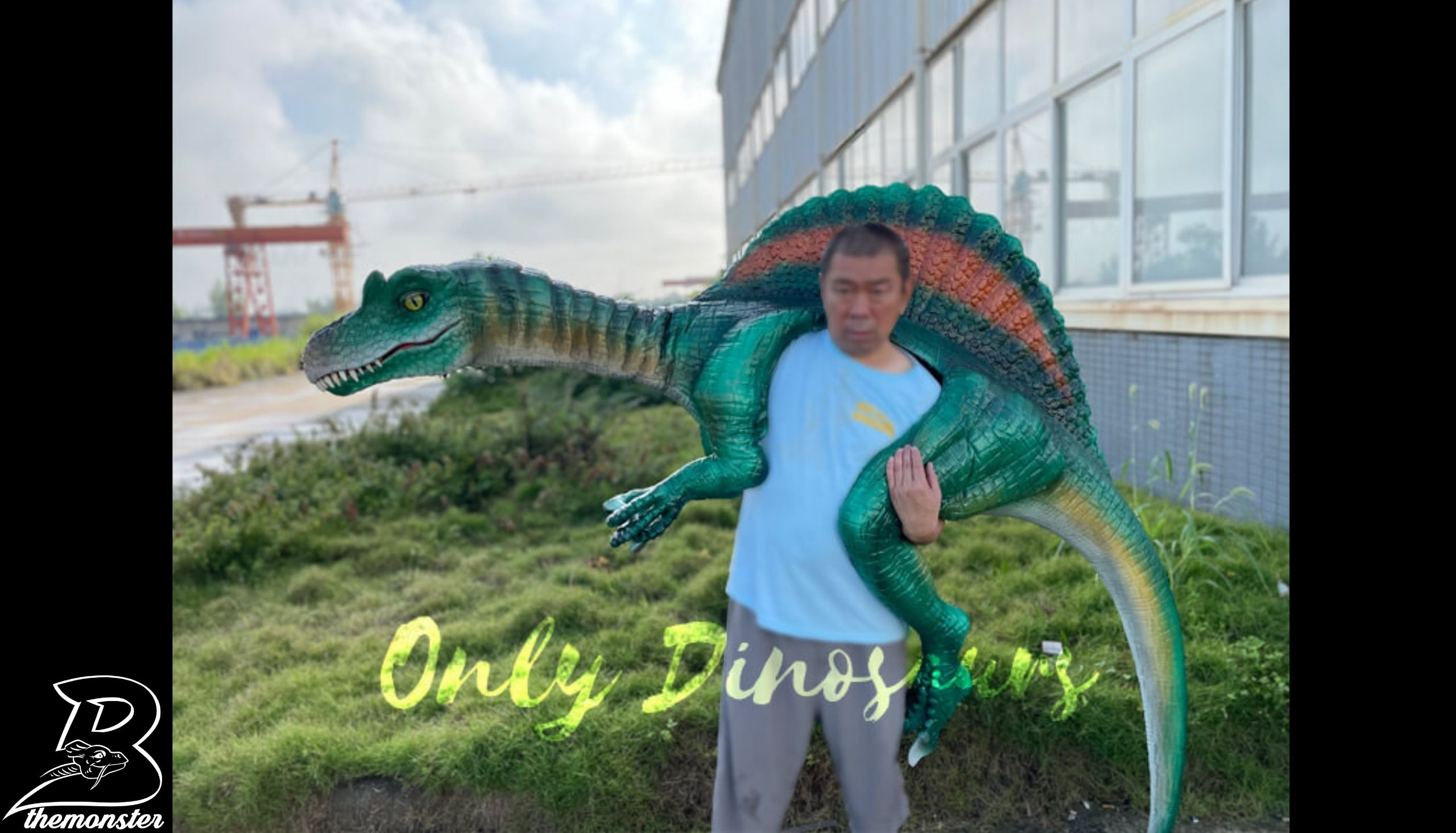 Colorful Spinosaurus Shoulder Puppet in vendita sul Bthemonster.com